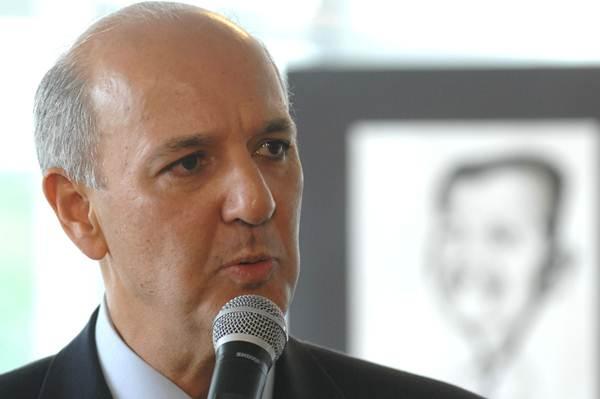 José Roberto Arruda tinha se distanciado de Roriz, mas ex-governadores se reaproximaram em 2013 (Breno Fortes/CB/DA Press)