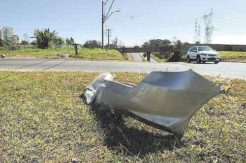 O acidente que matou mãe e filha aconteceu logo após o viaduto da Quadra 5 do Park Way: embriaguez ao volante e excesso de velocidade (Zuleika de Souza/CB/D.A Press)