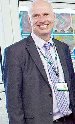 O diretor de escola primária Mark Williams largou o emprego na Inglaterra para assistir à Copa Do Mundo (Reprodução/Daily Mail)