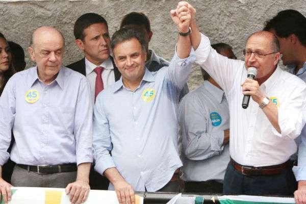 Aécio Neves, entre José Serra e Geraldo Alckmin: nova política e sustentabilidade no discurso (Orlando Brito/Coligação Muda Brasil)