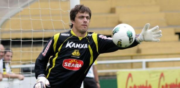 Michel Alves é o novo titular do Vasco para a temporada 2013: dois anos de contrato