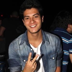 """Arthur Aguiar, ex-""""Rebelde"""" cotado para """"Dona Xepa"""""""