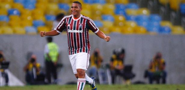 walter-comemora-gol-do-fluminense-contra-o-sao-paulo-pelo-brasileirao-1400724317900_615x300