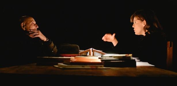 """Barbara Paz e Hector Babenco no programa """"A Arte do Encontro"""", do Canal Brasil"""