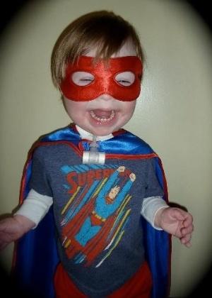 """Ollie, de três anos, herói do pai na HQ """"Metaphases"""""""