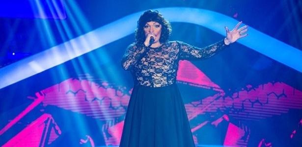 """A transformista, Deena Love, durante apresentação do """"The Voice Brasil """""""