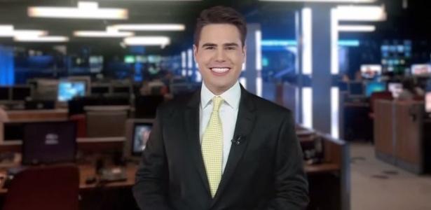 """Luiz Bacci à frente do """"Café com Jornal"""", da Band"""