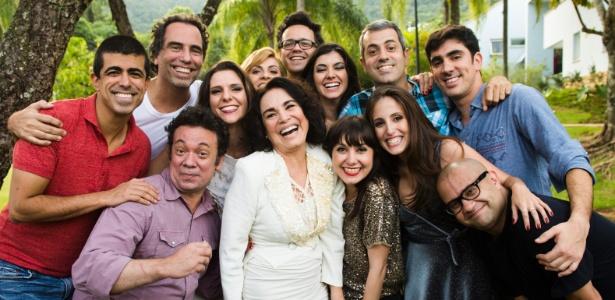 """Regina Duarte com a turma de """"Tá no Ar"""""""