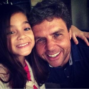 """Mel Maia grava com o diretor Marco Pimenta cena do """"Zorra Total"""""""