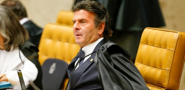 Fux segue voto de Celso; placar está 4 x 3 contra afastar Renan - Pedro Ladeira - 10.jun.2015/Folhapress