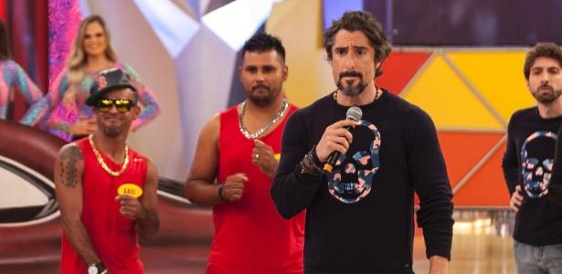 """Marcos Mion no comando do """"Canjica Show"""", do programa """"Legendários"""", na Record"""