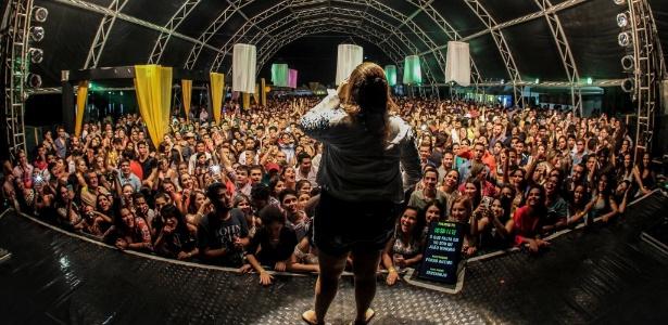 marilia-mendonca-faz-show-lotado-em-palmas-no-tocantins-1450137408096_615x300.jpg