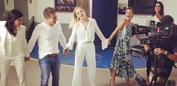 O casal Angélica e Luciano Huck grava a vinheta da Globo ao lado de Bárbara Paz, Adriana Esteves e Malu Mader