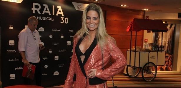 """Danielle Winits será uma das atrações do Viva no elenco do antigo """"Zorra Total"""""""