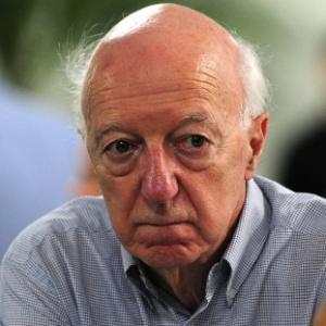 O comentarista Claudio Carsughi foi demitido da Jovem Pan