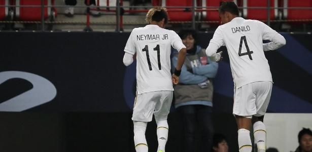 Danilo foi convidado a jogar no Barça pelo amigo Neymar, mas seguiu conselhos de Casemiro