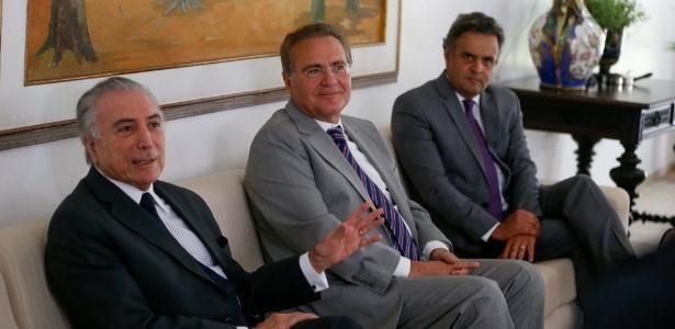 Da esq. para dir.: O vice-presidente Michel Temer, o presidente do Senado, Renan Calheiros (PMDB-AL), e o senador Aécio Neves (PSDB-MG) se encontraram na residência oficial do Senado