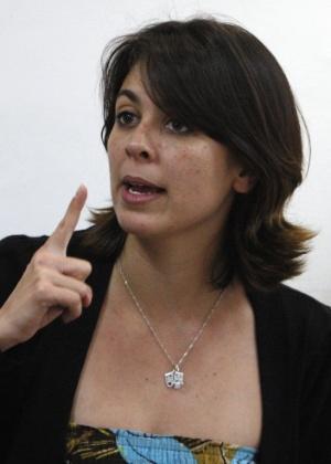 Elisa Quadros Pinto Sanzi, a Sininho, aparece nesta foto um dia depois de ser libertada da prisão