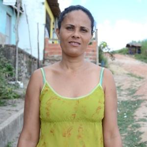 Maria Eliane, 35, mora em Messias (a 48 km de Maceió), em Alagoas, tem três filhos e acredita que, nos dias de hoje, é muito