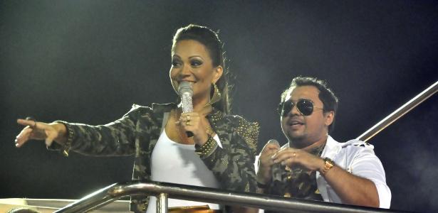 17.jan.2013 - Grávida, vocalista do Aviões do Forró tomou susto com pane em seu avião e cancelou participação em programa da Gabi