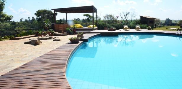 """A piscina da casa de """"A Fazenda 5"""", que fica em Itú, São Paulo (22/5/12)"""