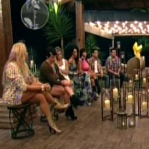 """Peões da sede se reúnem na varanda para escolher quem deve ir para a primeira roça de """"A Fazenda 5"""" (5/6/12)"""