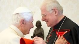 Angelo Scola Nascido: 7 de Novembro de 1941, em Itália Ordenado padre a 18 de Julho de 1970 e bispo a 21 de Setembro de 1991