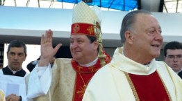 Nascido: 24 de Abril de 1947 Ordenado padre a 26 de Novembro de 1972 e bispo a 31 de Maio de 1994