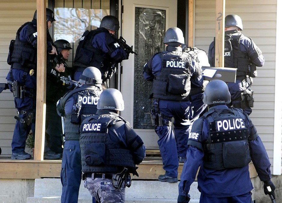 U.S. Congress Quietly Passes Bill Allowing Authorities To Enter Your Homes Without A Warrant