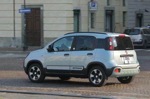 Fiat Panda prova, scheda tecnica, opinioni e dimensioni 1.0 Hybrid ...