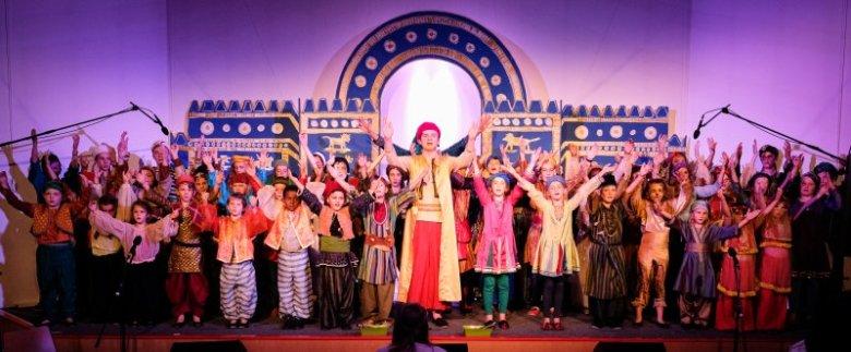 350 Besucher und 50 Akteure beim Musical Daniel