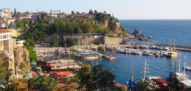 Blick auf den Hafen von Antalya