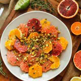 Spicy citrus salad with pistachios