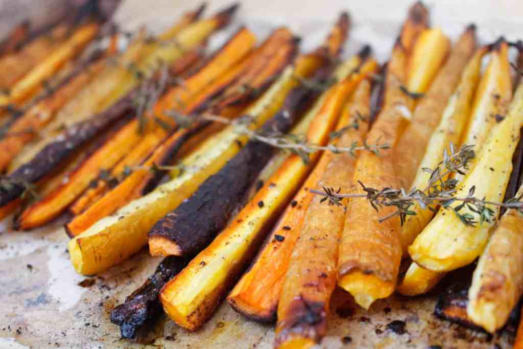 Blog146_Img14_Middle Eastern roasted carrots with olives, harissa, preserved lemon and Natursource salad topper