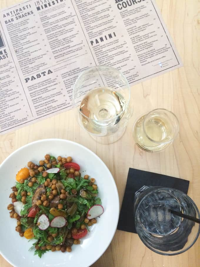 Last week, I spent a couple of days in Toronto, wining and dining my way through the city. These are my Toronto food recommendations - hope you like them!