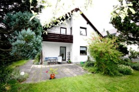 Einfamilienhaus in 80937 München, Grasmückenweg