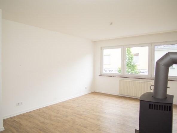 Immobilien-Hahnefeld-115184229-Wohnzimmer-Ansicht2