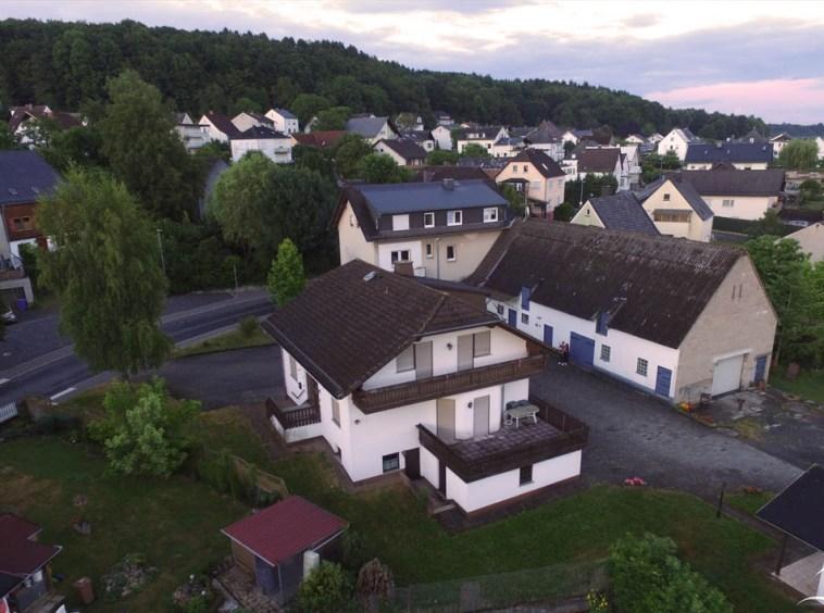 Immobilien Hahnefeld 97104829 Drohnenaufnahme Zwei