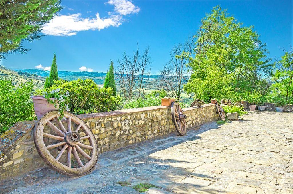 Toscane, entre Florence et Sienne, se dresse San Casciano Val di Pesa