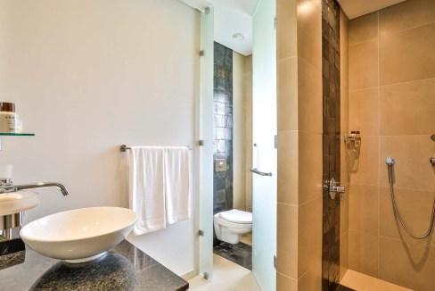 Appartement de 211m2 dans un style contemporain face au Golf et l'Océan11
