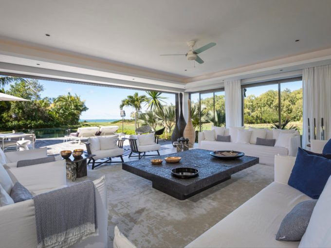 BEAU CHAMPS - Spacious villa with lagoon view - 5 bedrooms