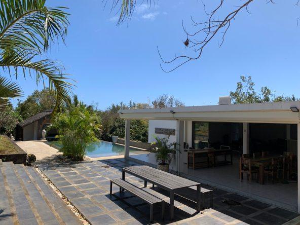 Villa contemporaine 700m² Piscine Jardin Plante Tropical à Cap Malheureux VILLA A CAP MALHEUREUX ÎLE MAURICE                                            