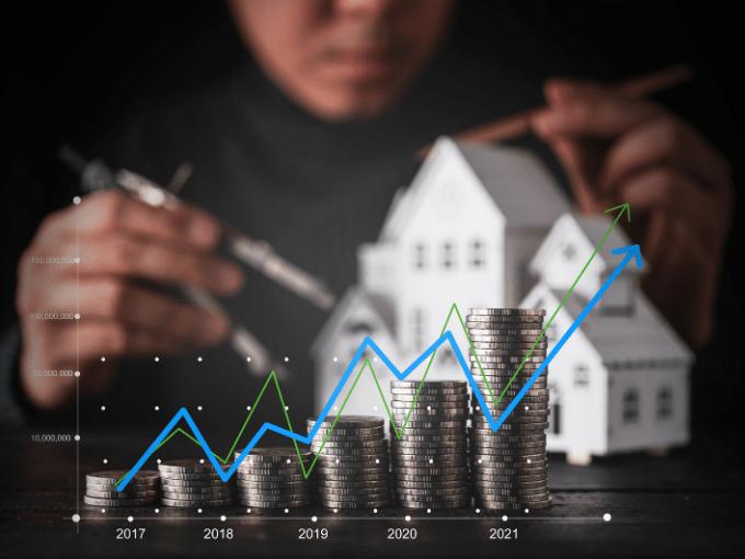En 2021, les taux des hypothèques vont rester très attrayants. En jouant sur les variations de taux et la concurrence, les emprunteurs peuvent économiser plusieurs milliers de francs.