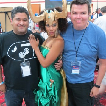 Amazing Las Vegas Comic Con Cosplayer Loki with Vince and James Stone