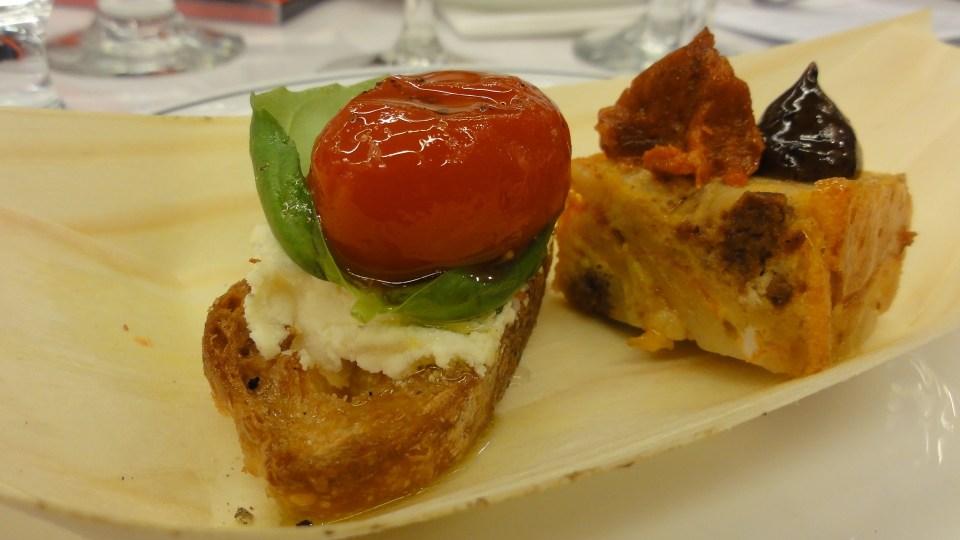 Viva_Las_Tapas_SIAL_16_Tomato_With_Basil_Goat_Cheese_Croustini