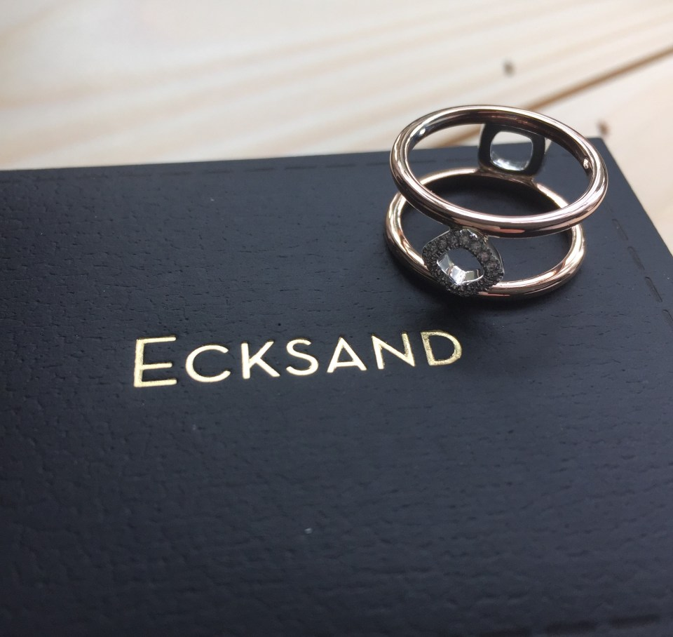 Ecksand_Nude_Double_Band_Diamond_Cushion_Ring