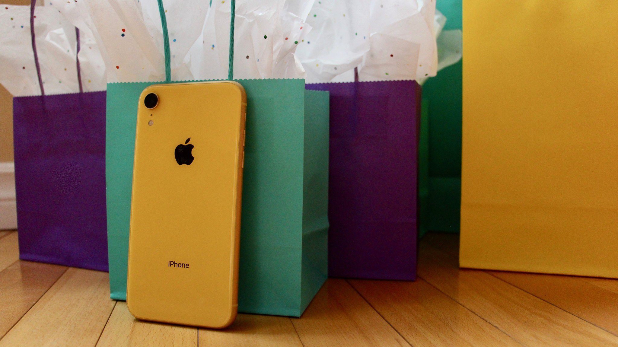 Last Minute Holiday Accessory Gifts For IPhone XR 2018