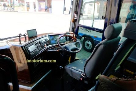 Dashboard masih mempertahankan bentuk asli