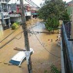 foto banjir pondok gede permai.jpg