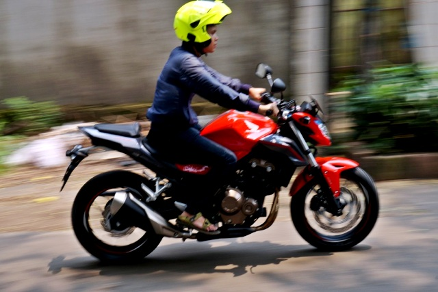 Imotorium – Honda CB500F Review  (11)